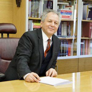 Turkish Expert to Deliver Lectures to Khazar University Students