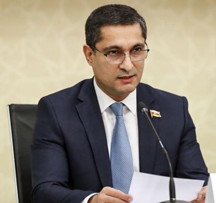 Article about Khazar Graduate on Rublika.az