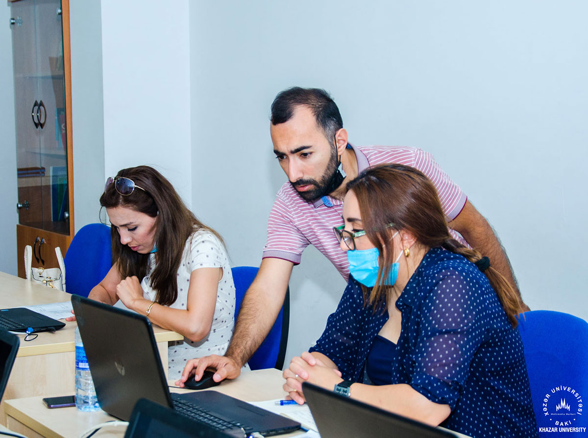 """Khazar University Hosts Training on """"HEI Websites, Marketing, Ratings, and Exhibition Portals"""" by the Ministry of Education"""