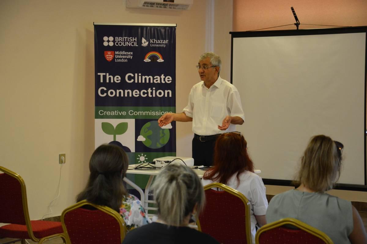 "Seminar Presented by Professor Hamlet Isakhanli at Ganja ""Dunya"" School"